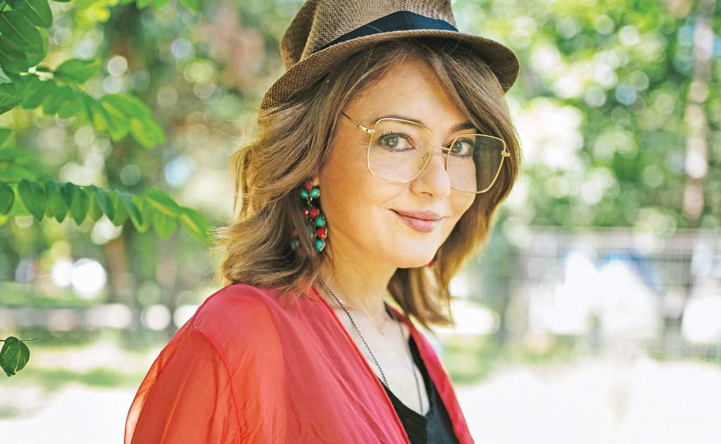 """Oana Sarbu: """"Am darul de a pastra relatiile pe termen lung"""""""