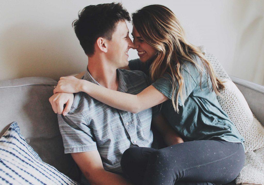 4 Modalitati de a readuce pasiune in cuplu